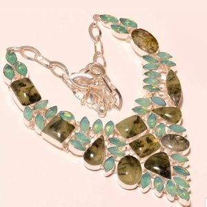 💚Stunning Prehnite silver necklace